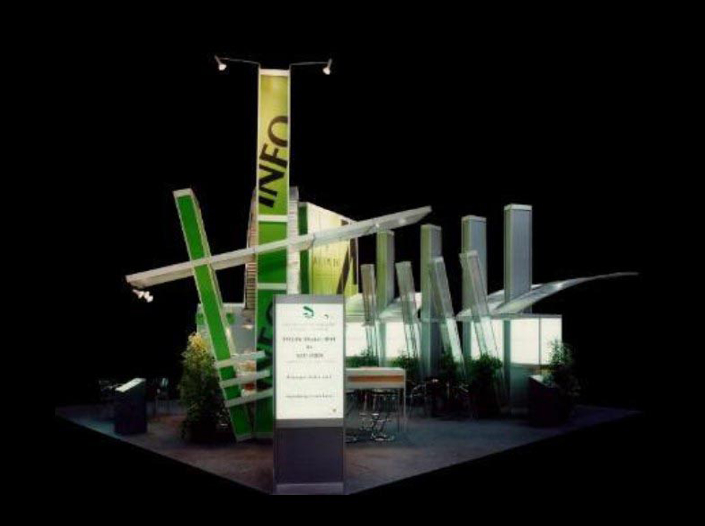 04 Inselstand mit futuristischem Design, sehr schräg, hat viel Aufmerksamkeit erregt