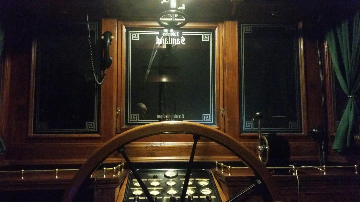8.) Armaturenbrett, Fensterbeschriftung