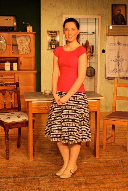 Lena Ahrens spielt Uschi Piening, die jüngste Tochter von Max Piening