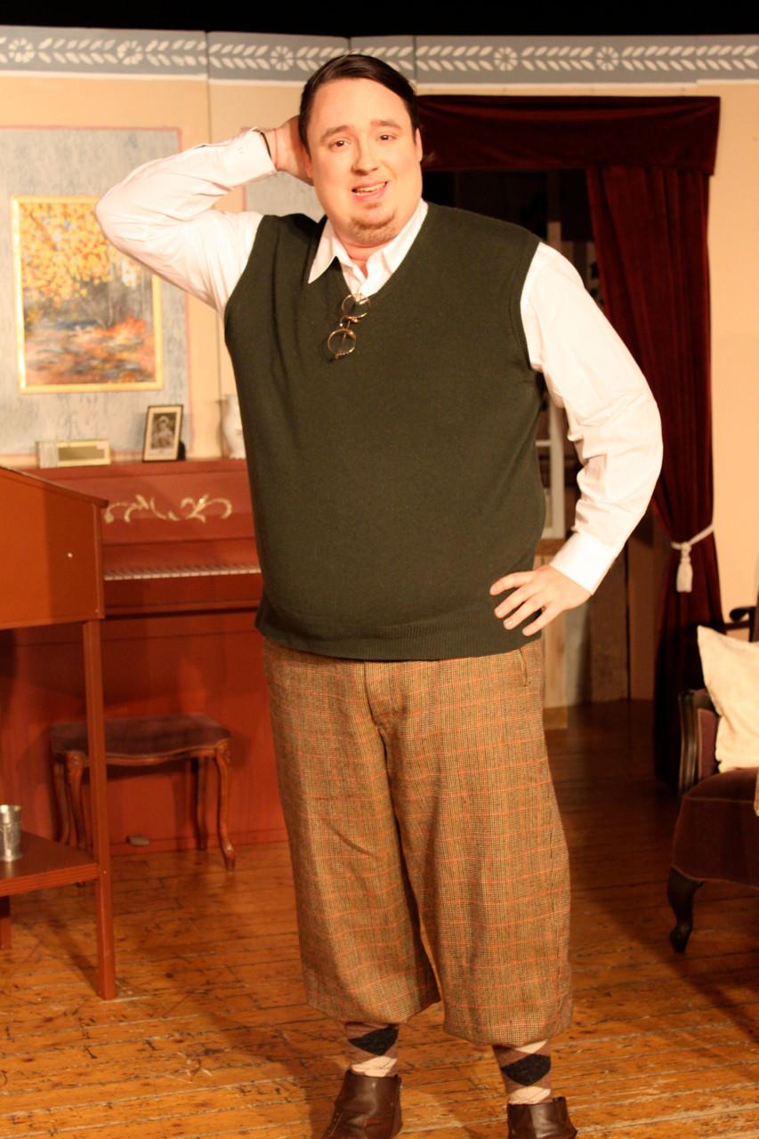 Steven Mathews als Charles Wykeham