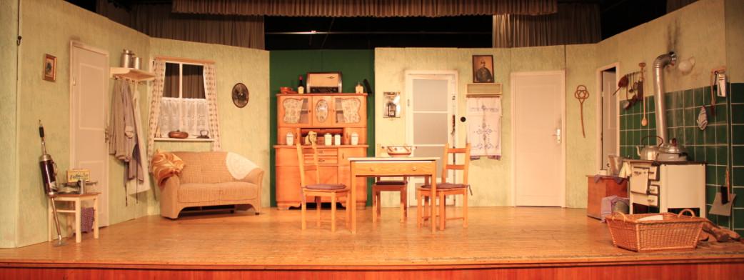 auf der Bühne im Dorfgemeinschaftshaus Kästorf