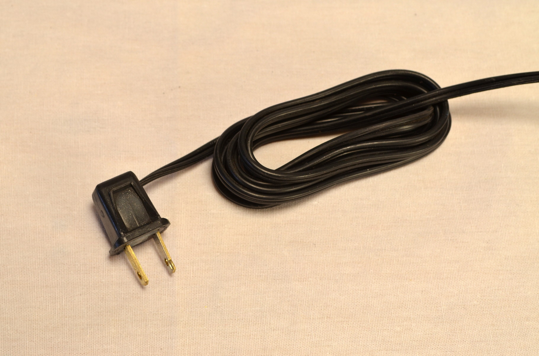 Classic black +8' heavy duty cord and vintage-style black plug.
