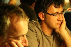 Jean « Fidj » Lemoussu (2ème plan) se classe 4ème du Main Event de Limoges et realise une grosse performance, la meilleure à ce jour pour le joueur de Veyrignac. JB Lepers(1er plan) connaitra quant à lui un tournoi plus que difficile.