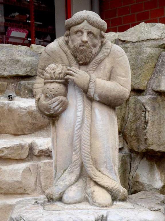 Brunnenmännchen,  das den Geist der Quellen schützt und bewahrt. Gesehen in Bad Pyrmont.