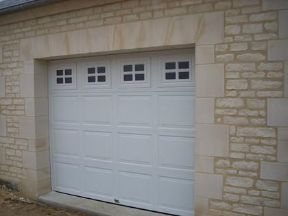 """Porte de garage """"Hublots"""""""