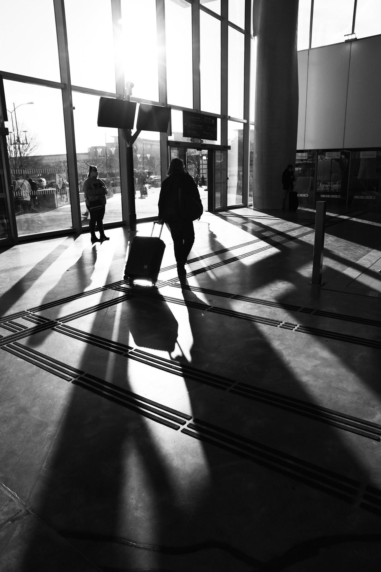 """""""Sun departure"""" - Gare de Nantes. ©Clémence Rougetet"""
