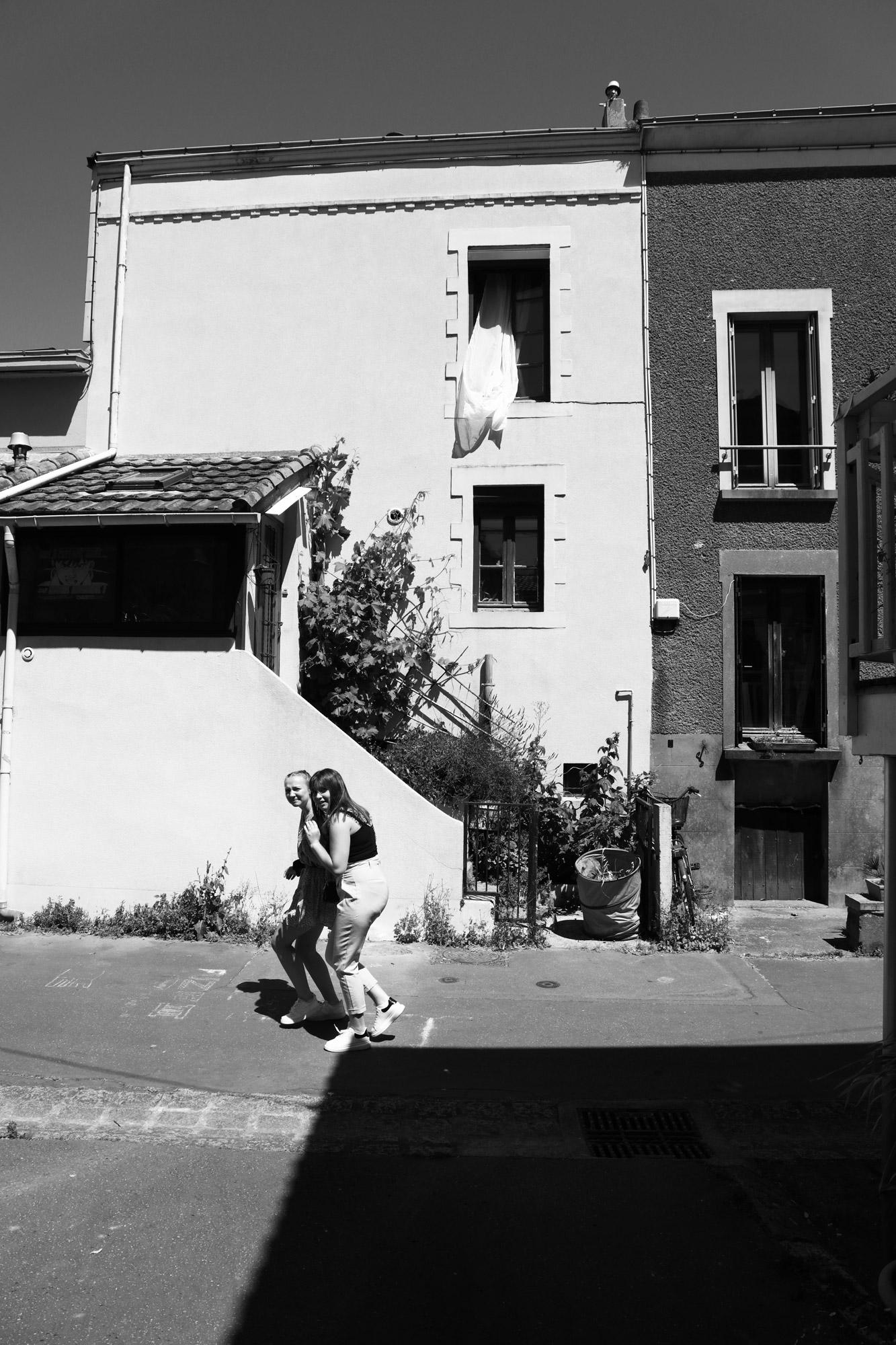 """""""Hey girls"""" - Trentemoult, Rezé. ©Clémence Rougetet"""