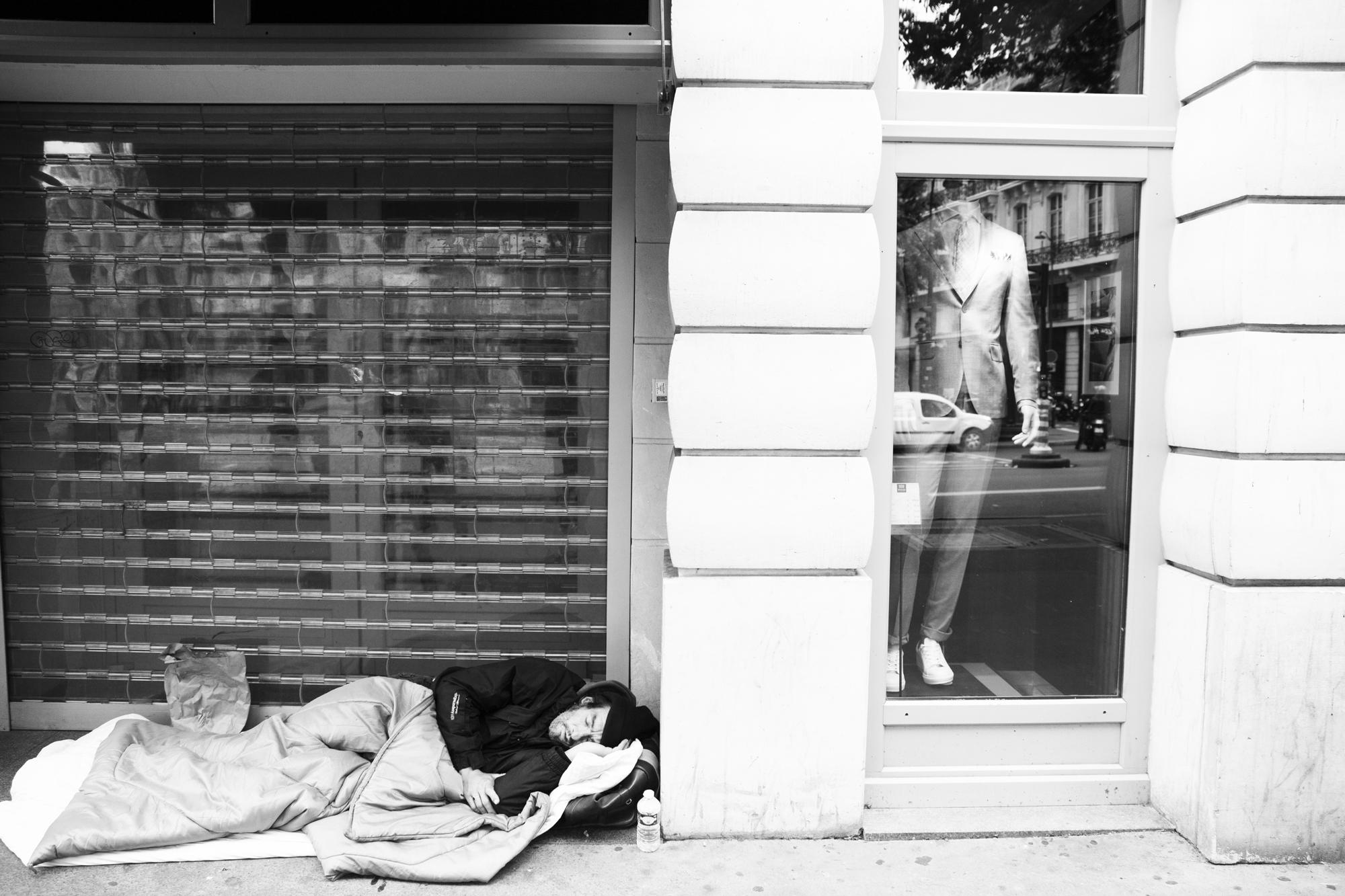 """A story of clothes"" - Boulevard Haussmann, Paris (2019). © Clémence Rougetet"