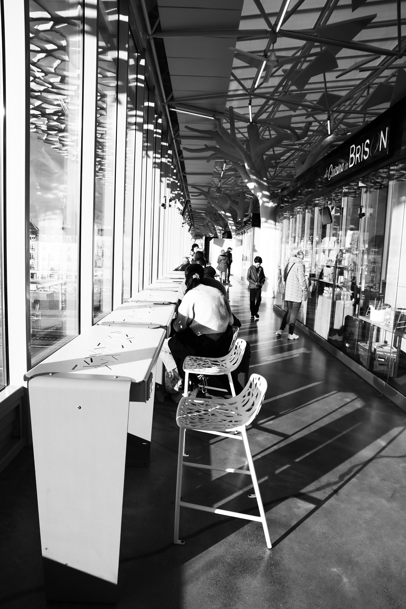 """Departure in perspective"" - Gare de Nantes. ©Clémence Rougetet"