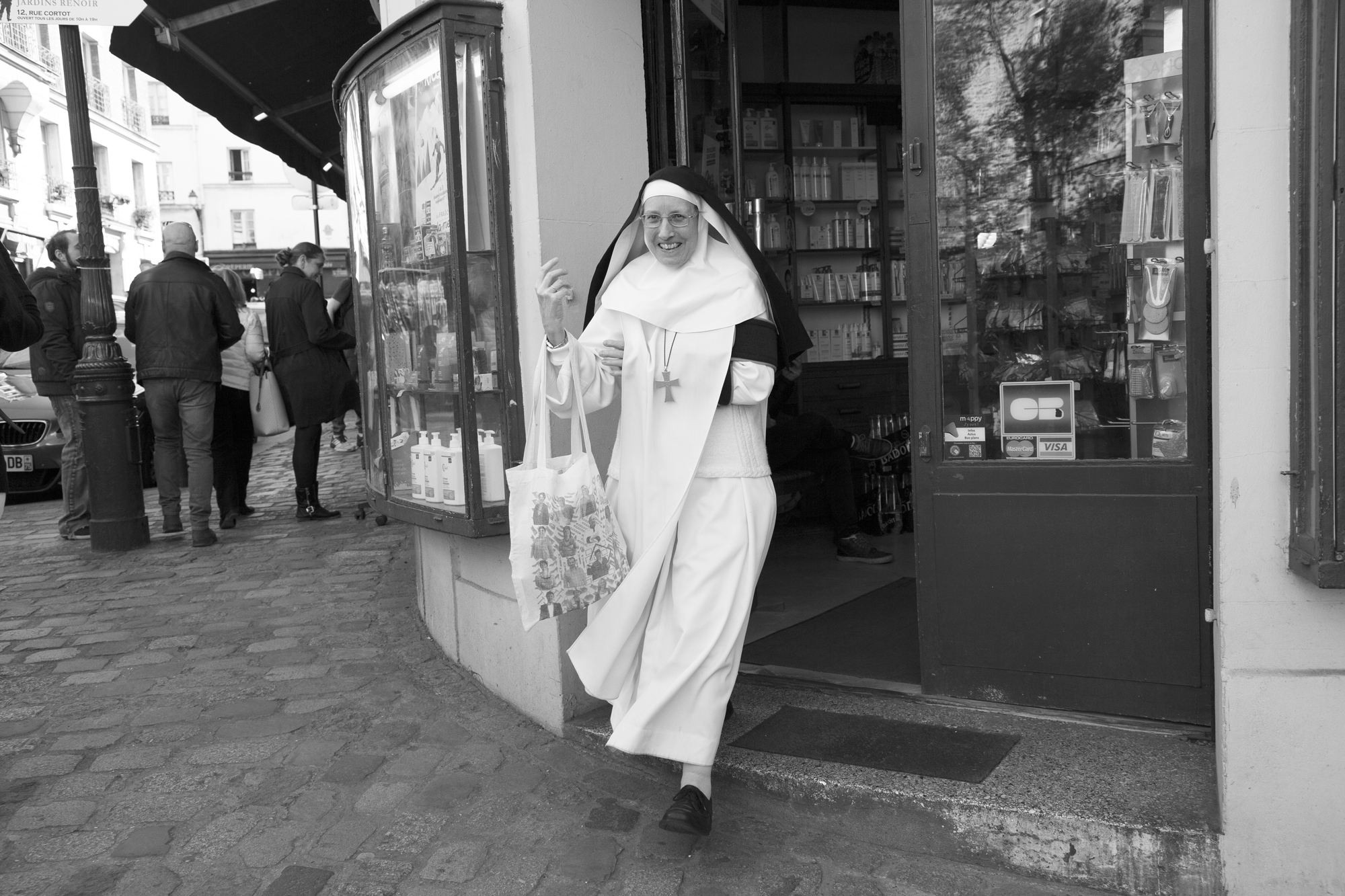 """""""God bless you"""" - Montmartre, Paris (2017). © Clémence Rougetet"""