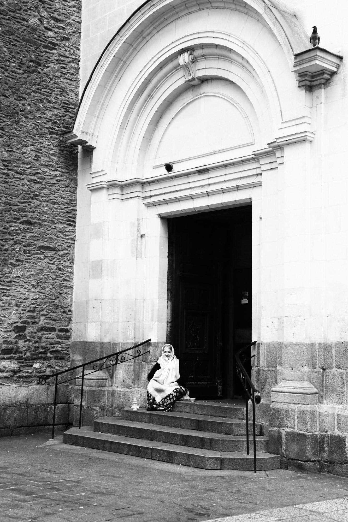 """Faith and Street"" - Église Sainte-Croix, Nantes. ©Clémence Rougetet"