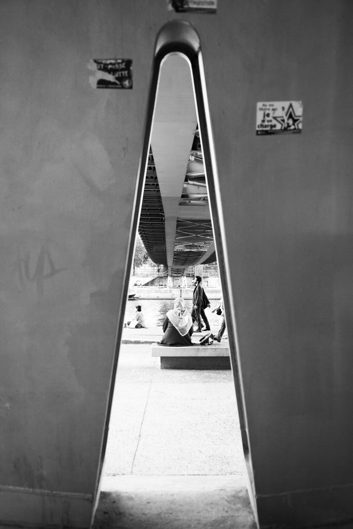 """""""Perspective"""" - Passerelle Simone de Beauvoir, Paris (2018). © Clémence Rougetet"""