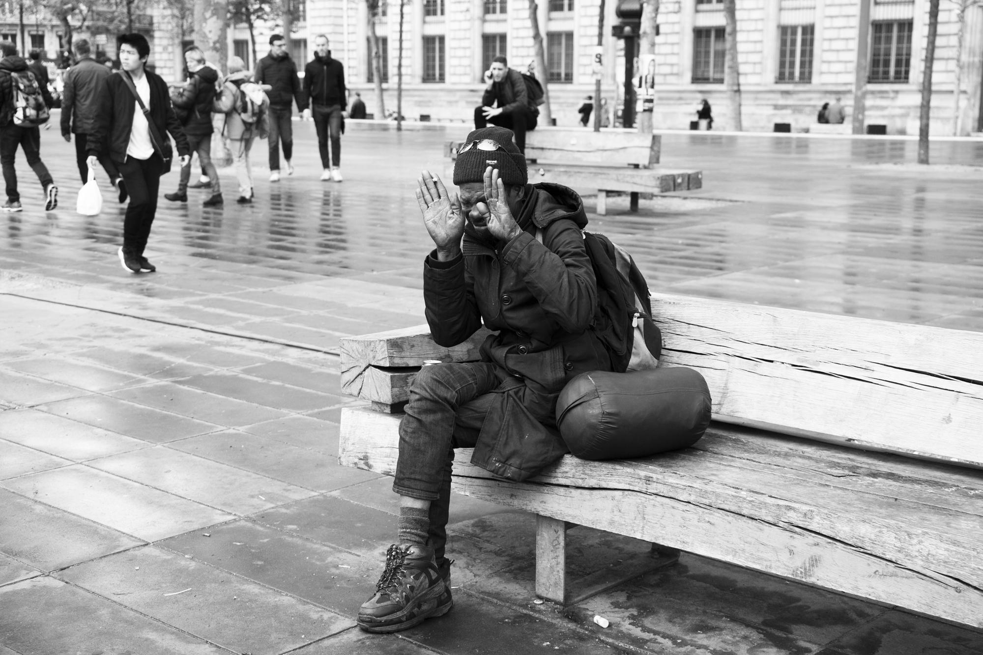 """""""In my hands"""" - Place de la République, Paris (2017). © Clémence Rougetet"""
