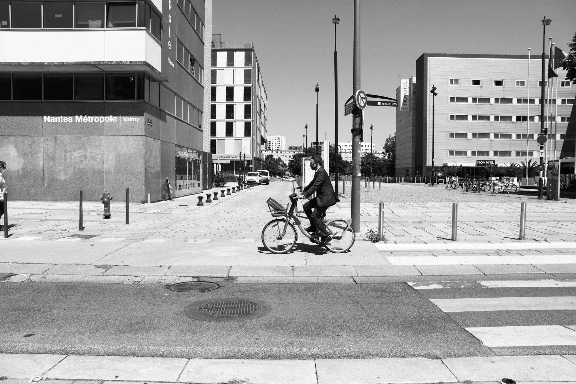 """Ride with style"" - Avenue Carnot, Nantes. ©Clémence Rougetet"