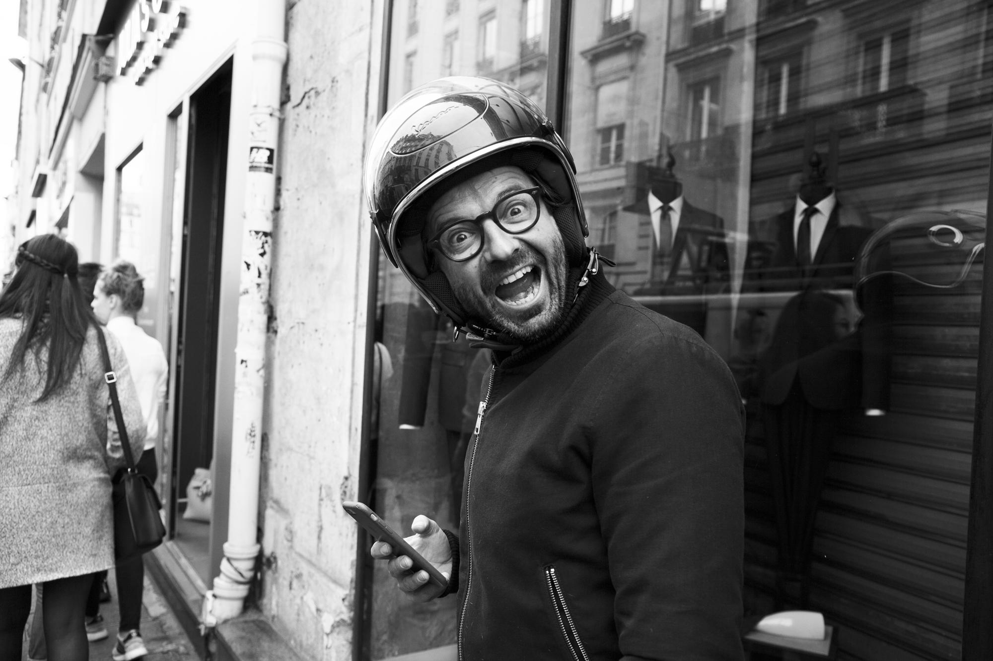 """""""Be happy"""" - Zombie Walk, Paris (2017). © Clémence Rougetet"""