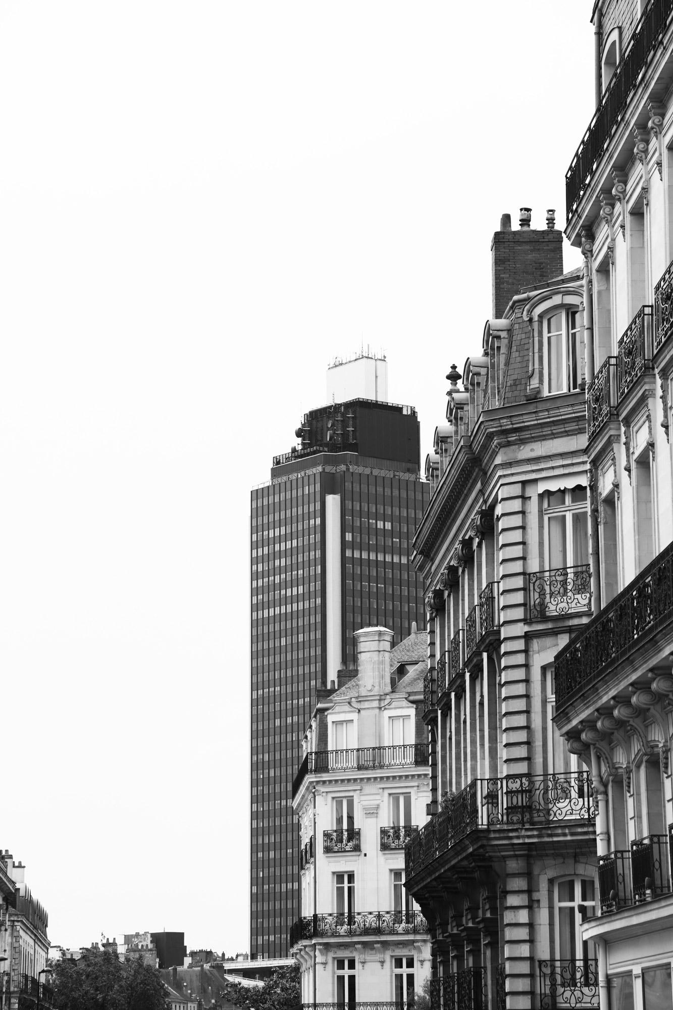 """""""Urban sky"""" - Rue de l'Hôtel de Ville, Nantes. ©Clémence Rougetet"""