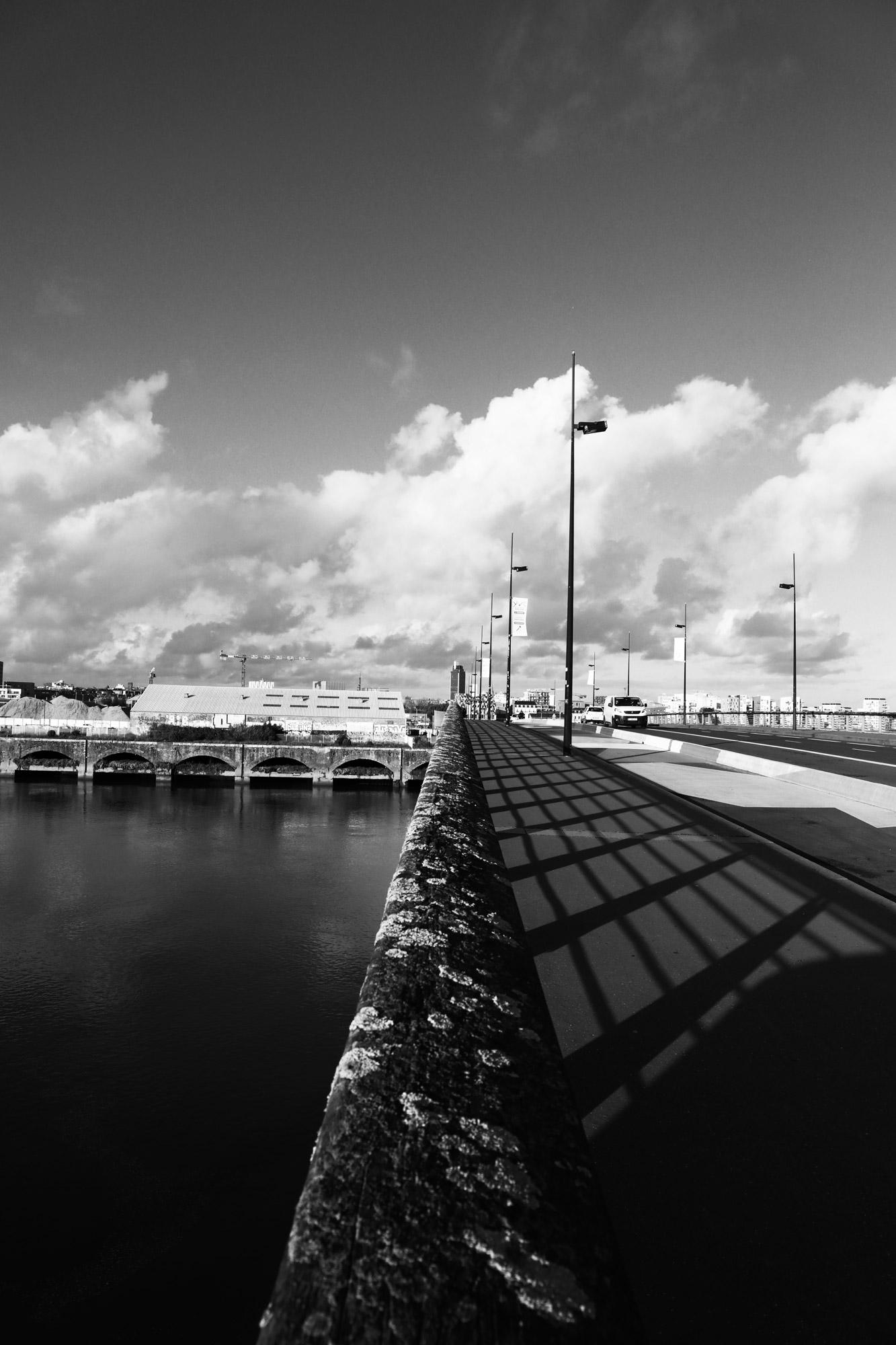 """""""Take your way"""" - Pont des 3 Continents, Nantes-Rezé. ©Clémence Rougetet"""