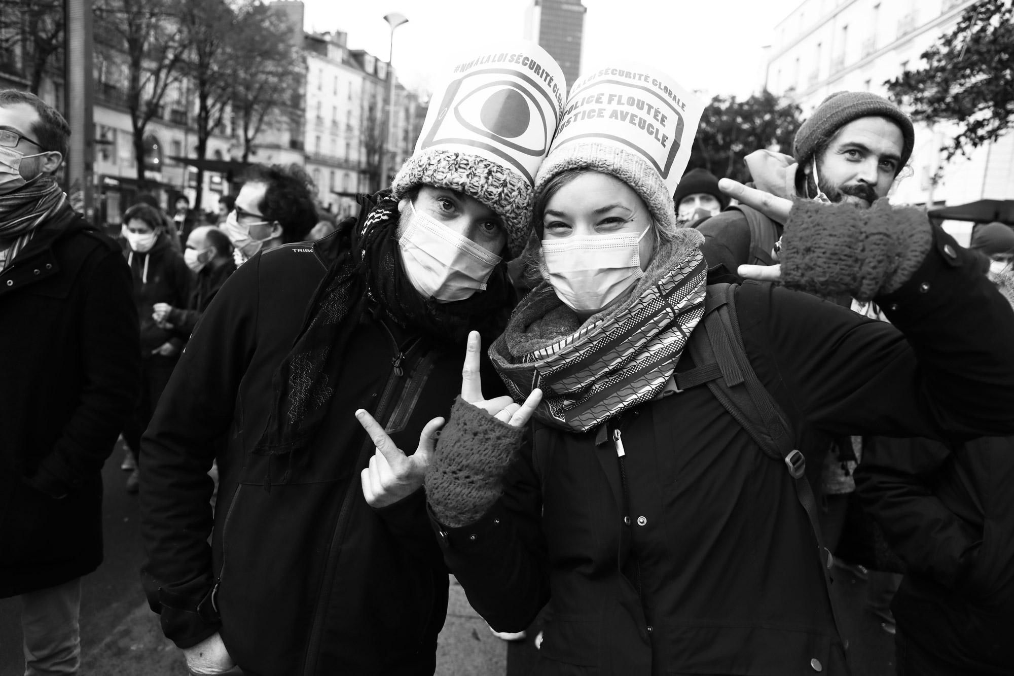 """""""Joyful protest"""" - Manifestation contre la Loi Sécurité Globale, Nantes (5 décembre 2020). ©Clémence Rougetet"""