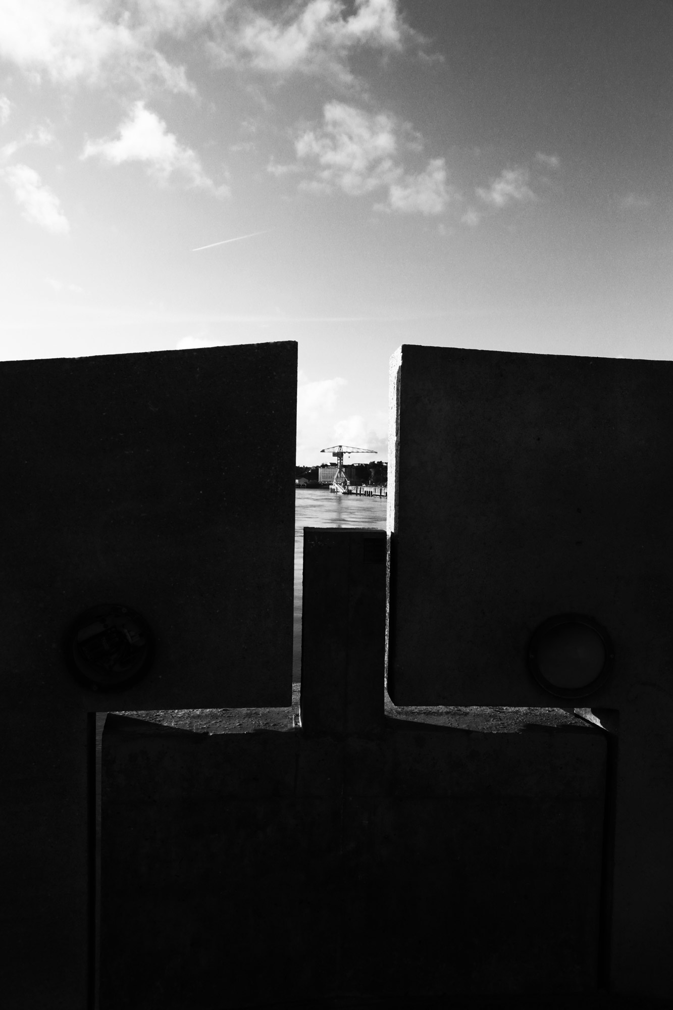 """Away"" - Pont des 3 Continents, Nantes. ©Clémence Rougetet"