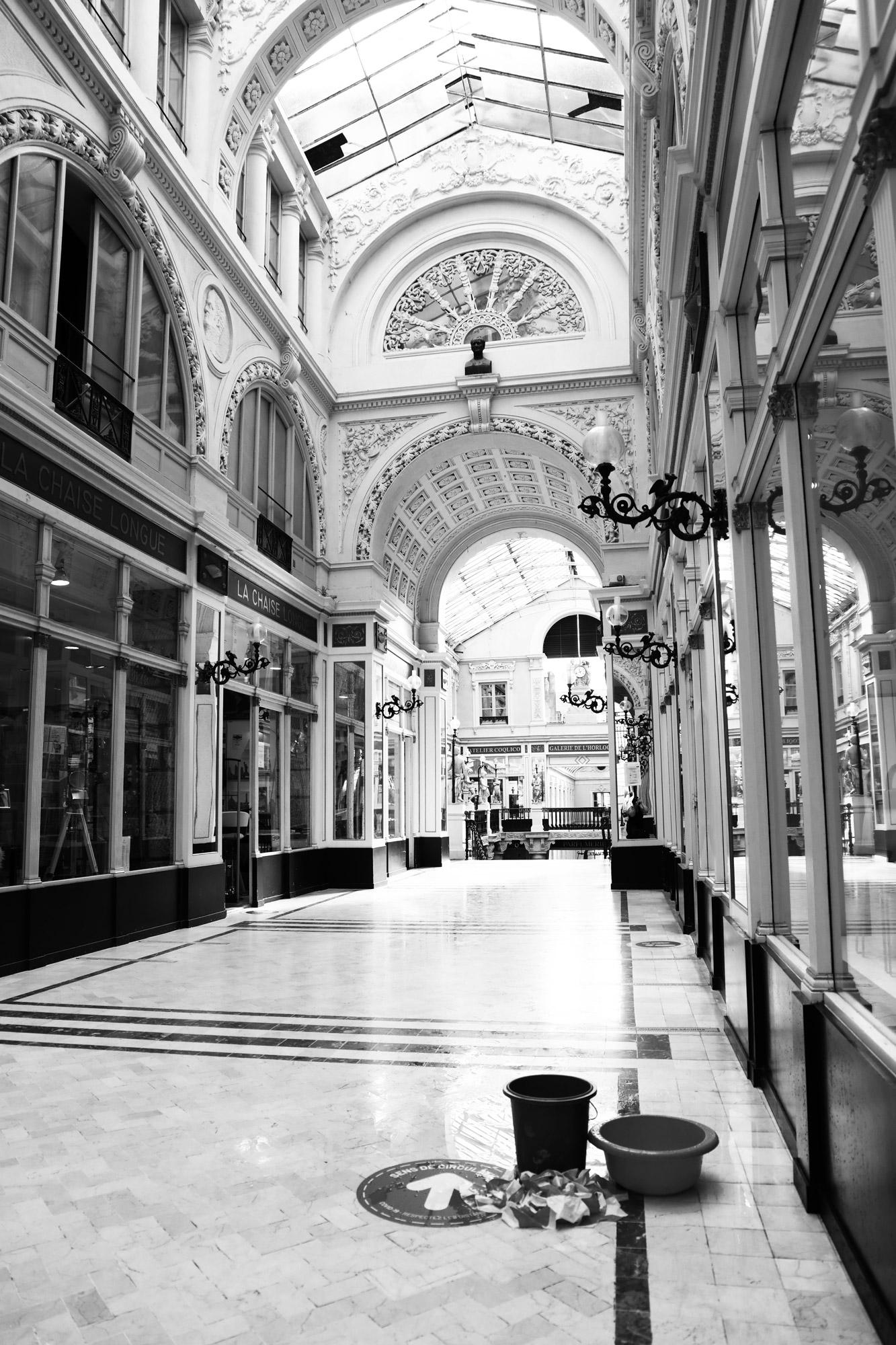 """""""Interior finish"""" - Passage Pommeraye, Nantes. ©Clémence Rougetet"""