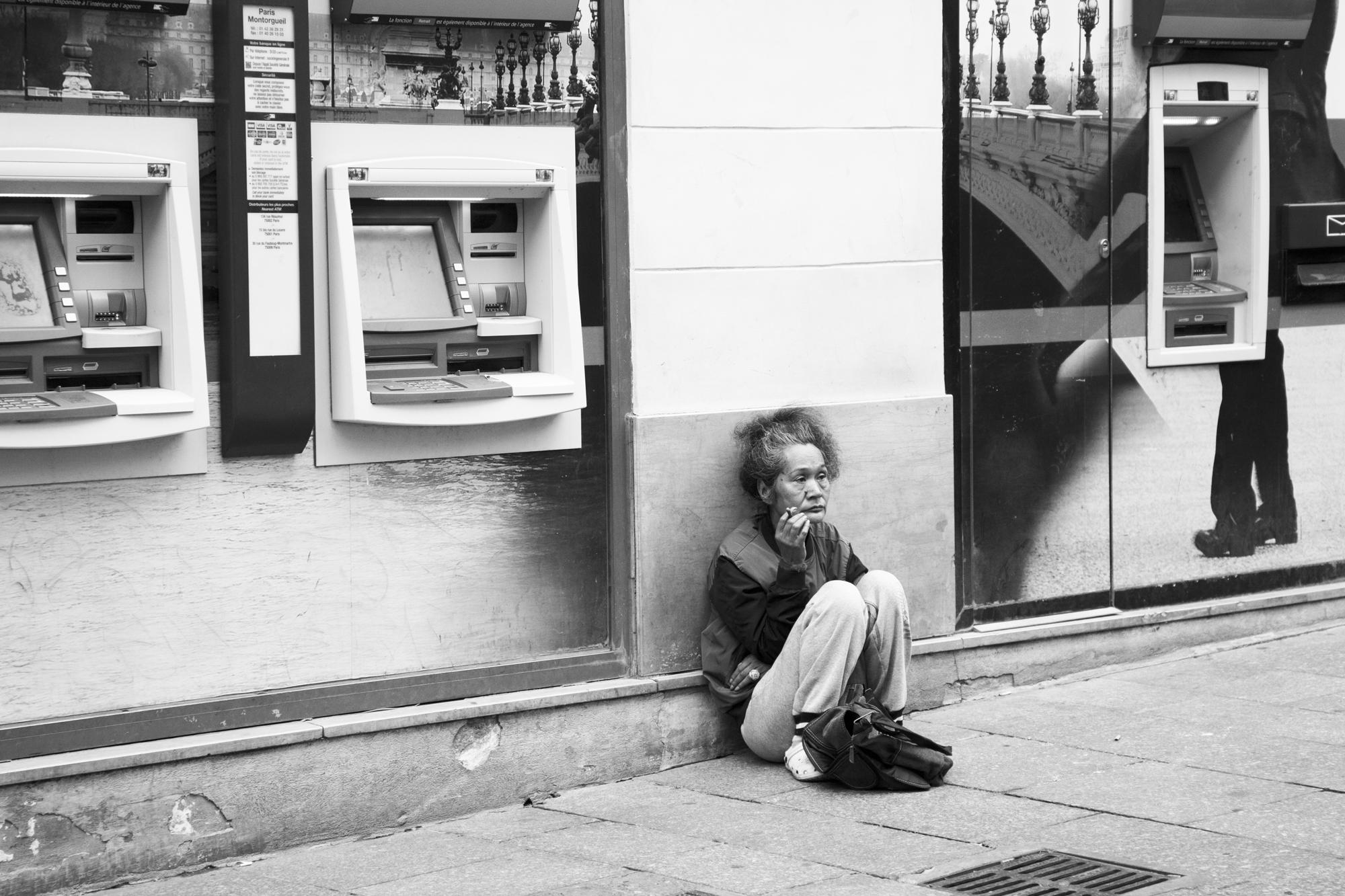 """""""Cashless"""" - Rue Montorgueil, Paris (2018). © Clémence Rougetet"""