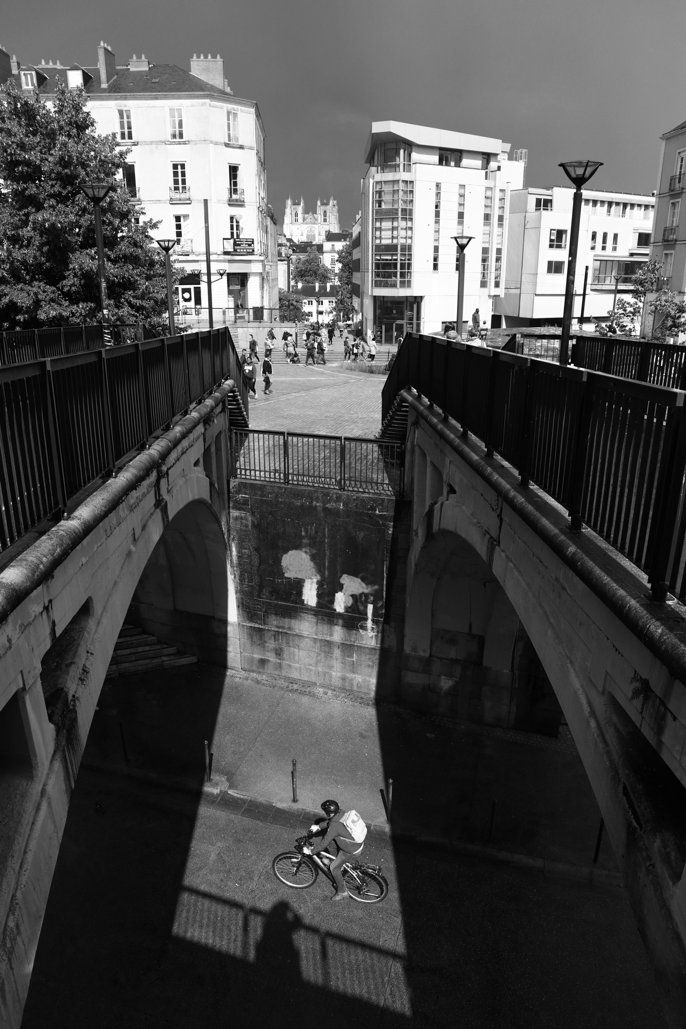 """Sunny or rainy time"" - Rue des 2 Ponts, Nantes. ©Clémence Rougetet"