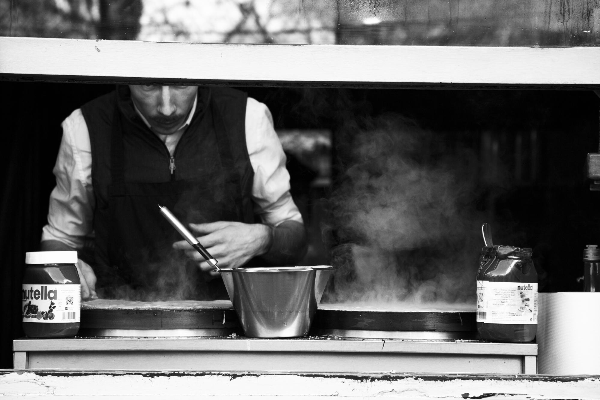 """""""Street food"""" - Rue Mouffetard, Paris (2018). © Clémence Rougetet"""