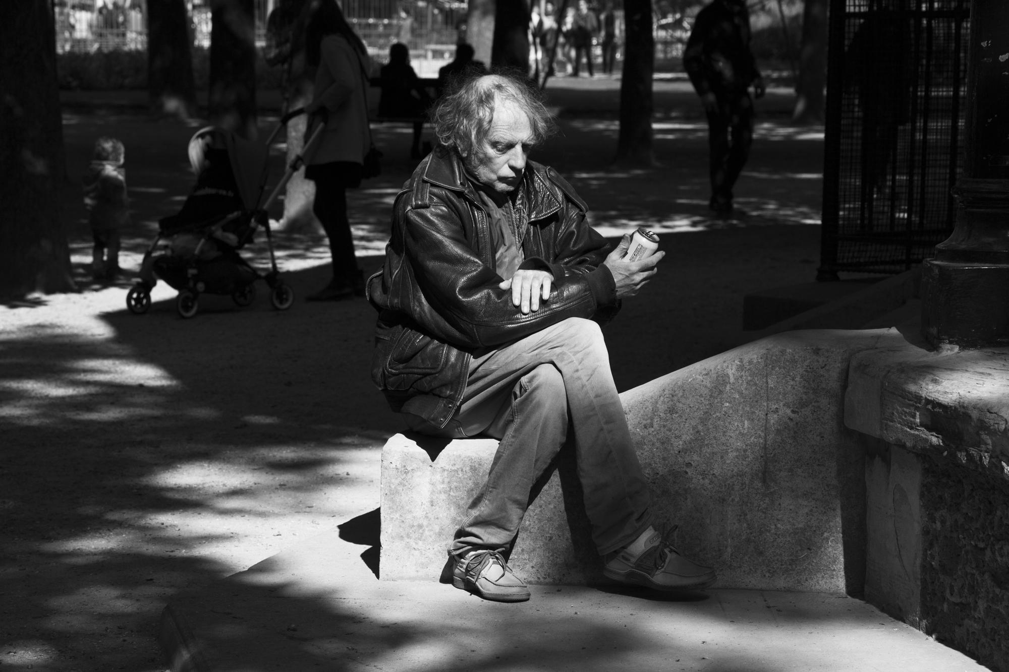 """Meet with the sun"" - Jardin du Luxembourg, Paris (2017). © Clémence Rougetet"