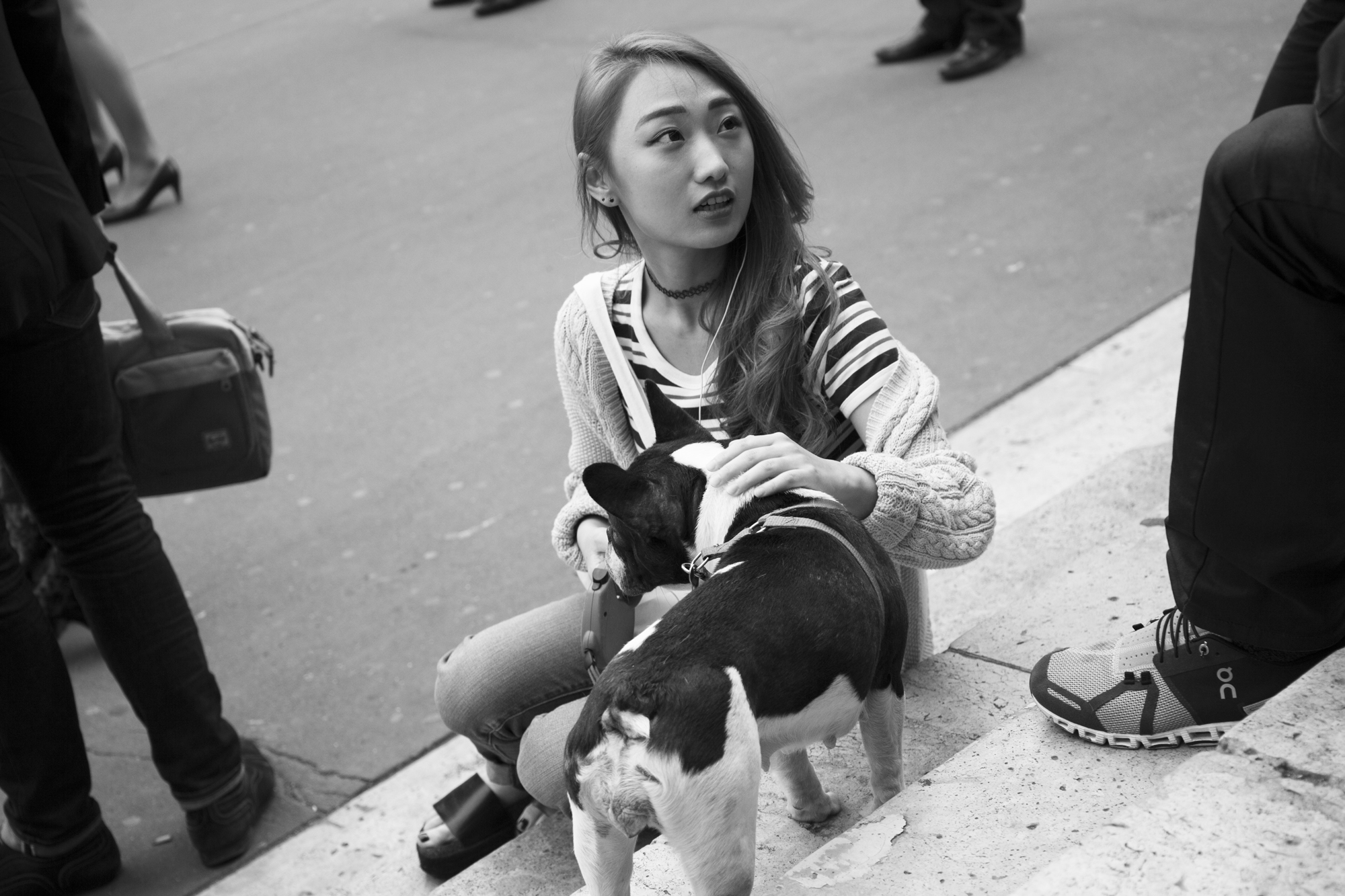 """Never without my dog"" - Palais Garnier, Paris (2017). © Clémence Rougetet"