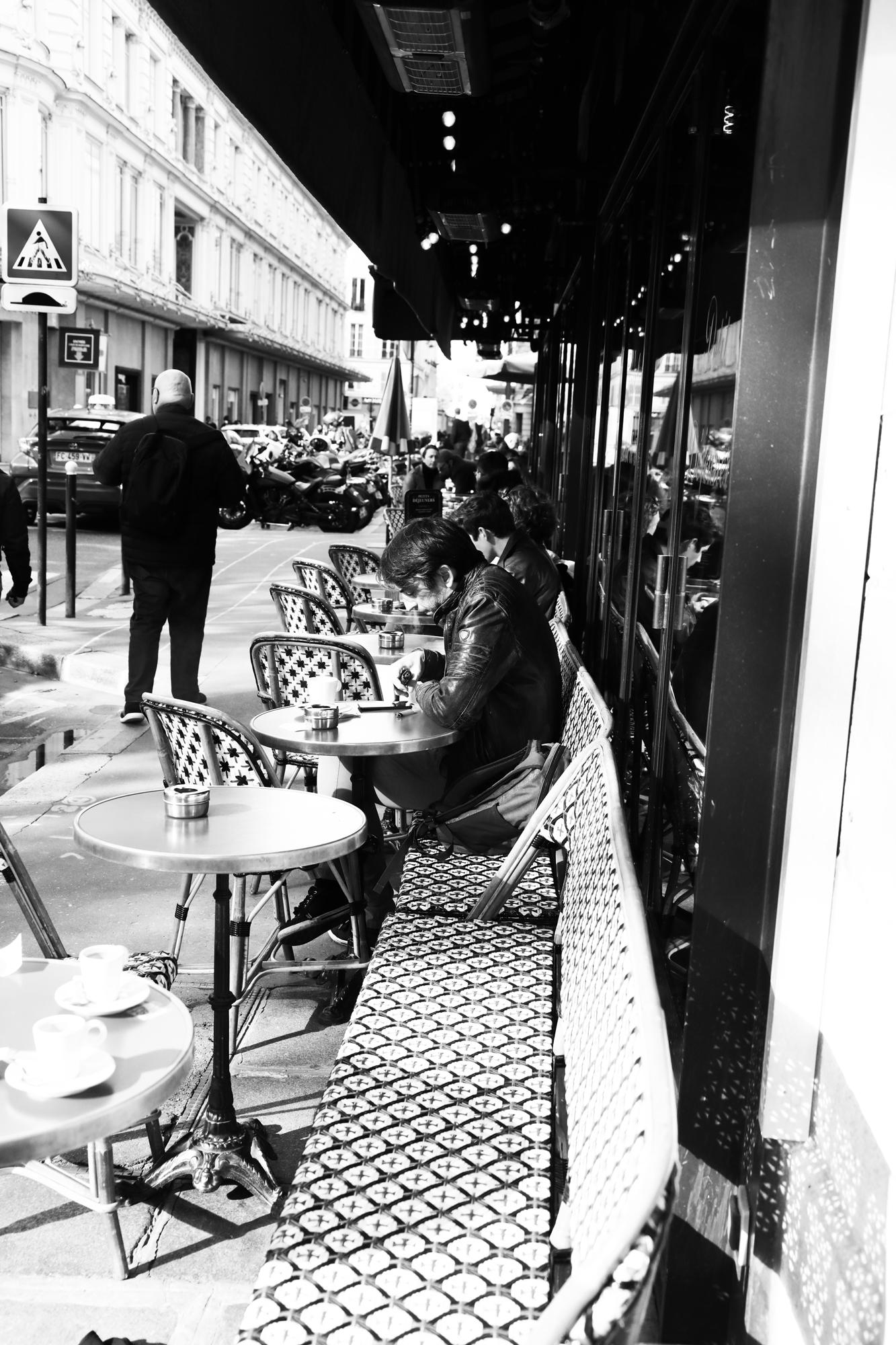 """Town life""- Paris (2020). © Clémence Rougetet"