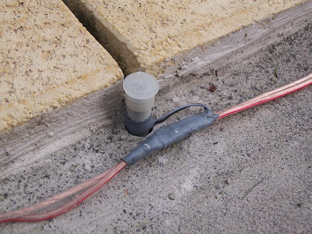 eingesetzte Hülse mit LED im Beton.