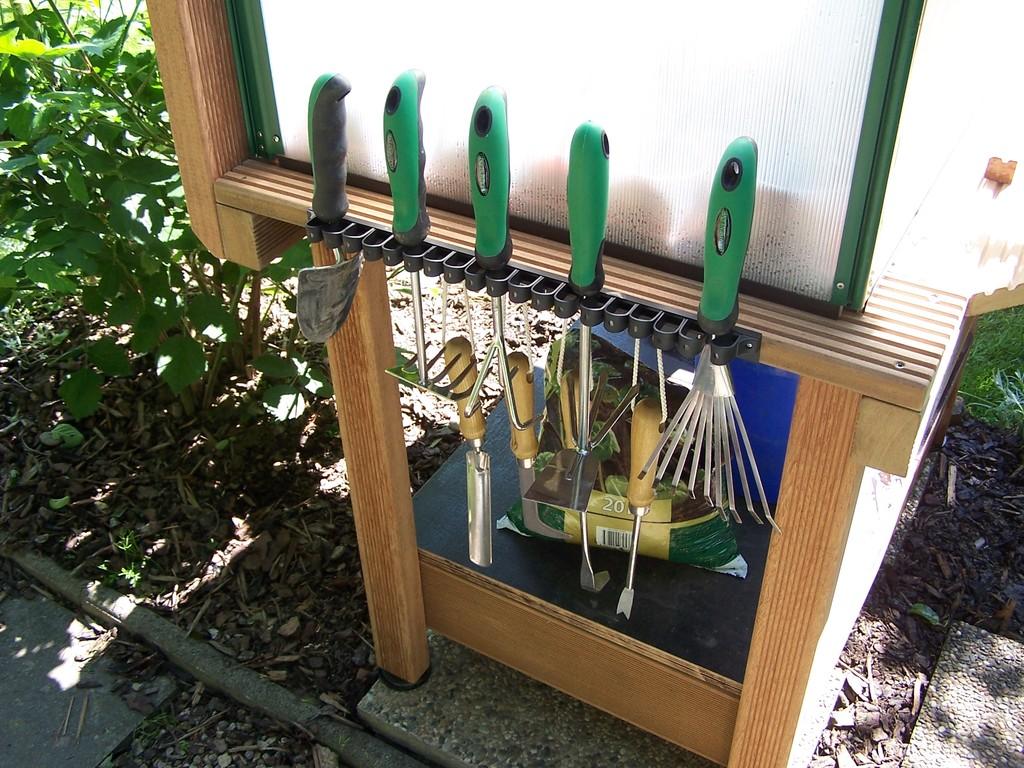 linke Seite - Gartenwerkzeug.