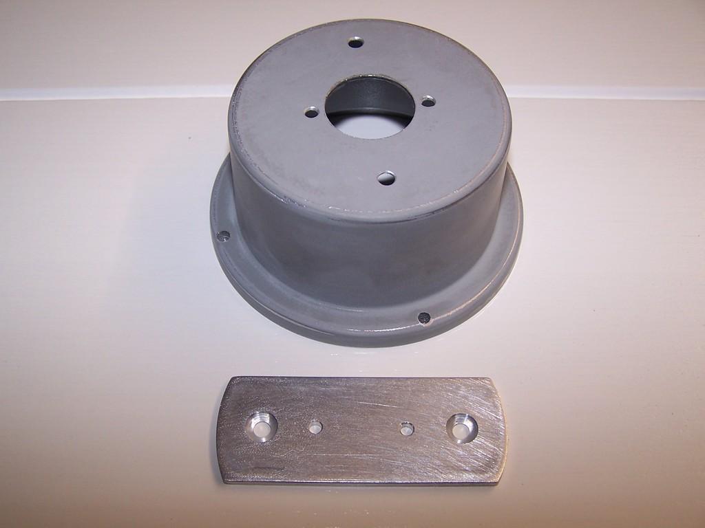 Aluminium Träger für das LED Modul und den angepassten Bohrungen.
