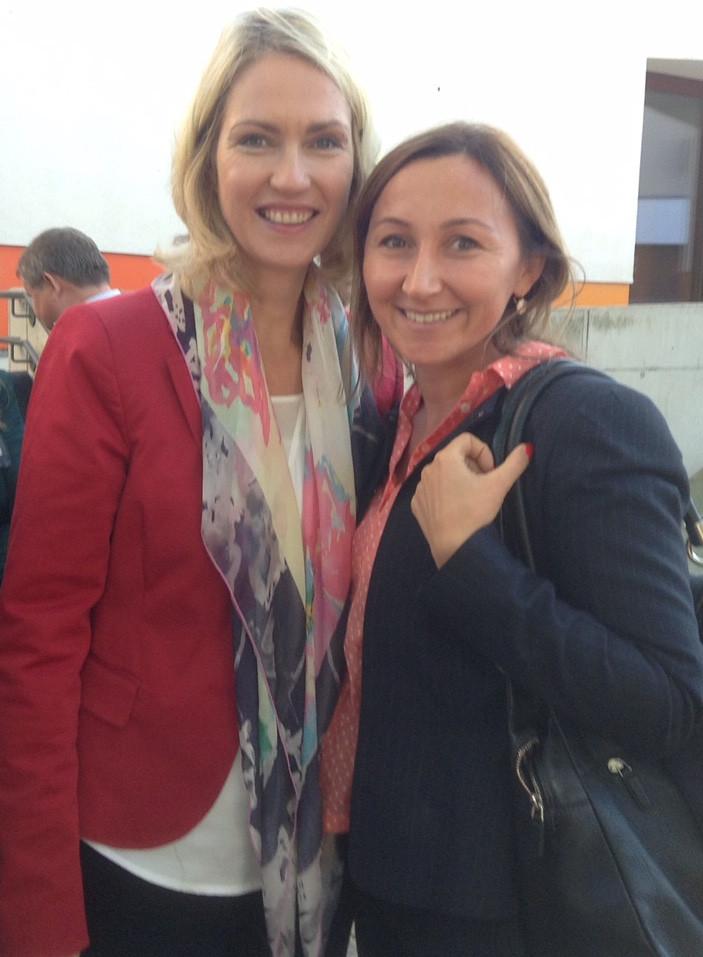 Milkica Romic mit Manuela Schwesig (Familienministerin)