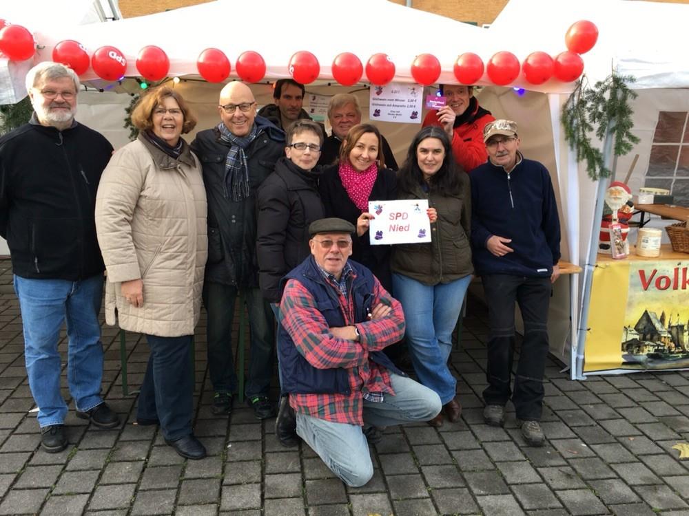 Milkica Romic auf den Weihnachtsmarkt in Nied