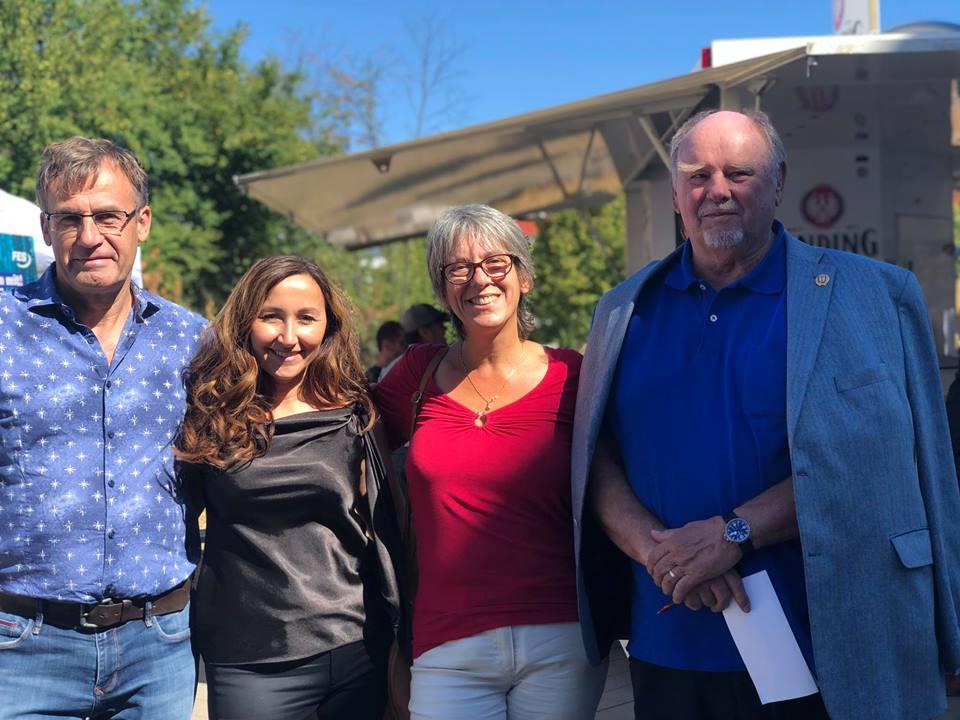 Milkica Romic  (Milli) mit Landtagskandidatin Petra Scharf, Stadtverodneten Hubert Schmitt und Helmut Grohmann