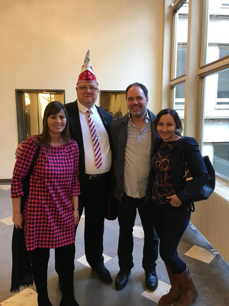 Erstürmung des Römers mit Martin Wimmer,  Stadtverordnete Stella Stilgenbauer und Bäppi La Belle