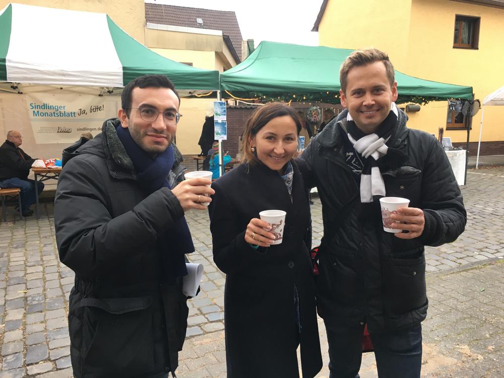 Weihnachtsmarkt in Sindlingen  mit Stadtrat Mike Josef und Dr. Olliver Strank