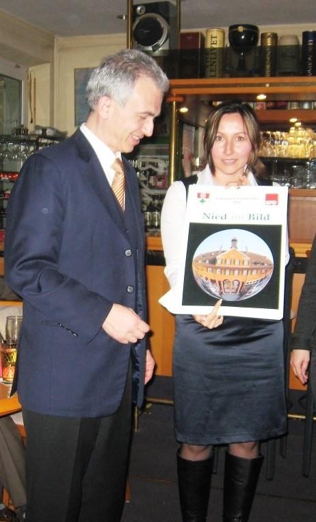 Milkica Romic mit Peter Feldmann (Öberbürgermeister Frankfurt)