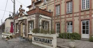 Hôtel restaurant Le Martingo sur la place du marché