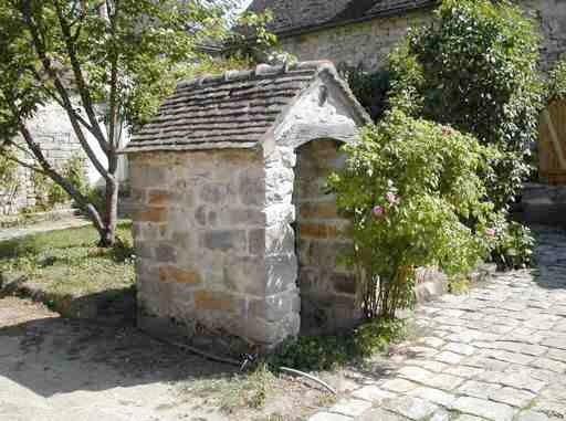 La cour du puits Gitton
