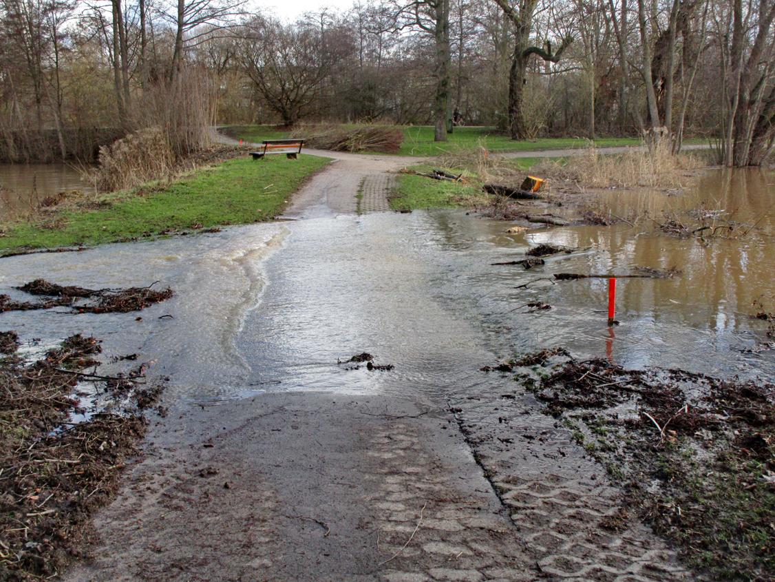 A. Erb: An dieser Stelle soll der eine Dammbruch erfolgen.