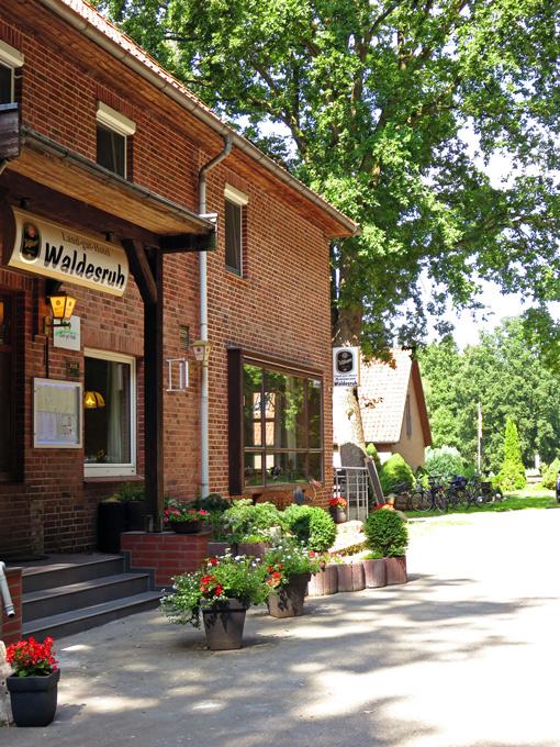 Haupteingang des Hotel Waldesruh