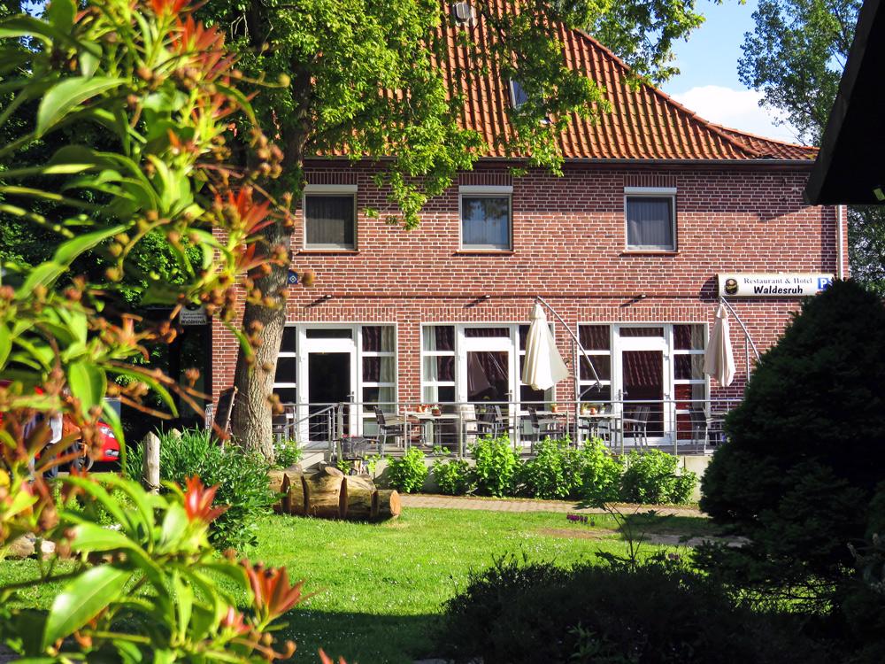 Blick auf die Terrasse des Restaurant Waldesruh