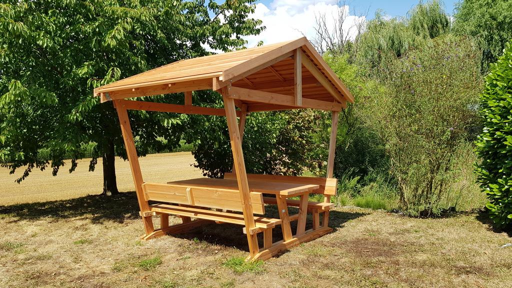 table detente avec tonnelle table de jardin pas cher. Black Bedroom Furniture Sets. Home Design Ideas
