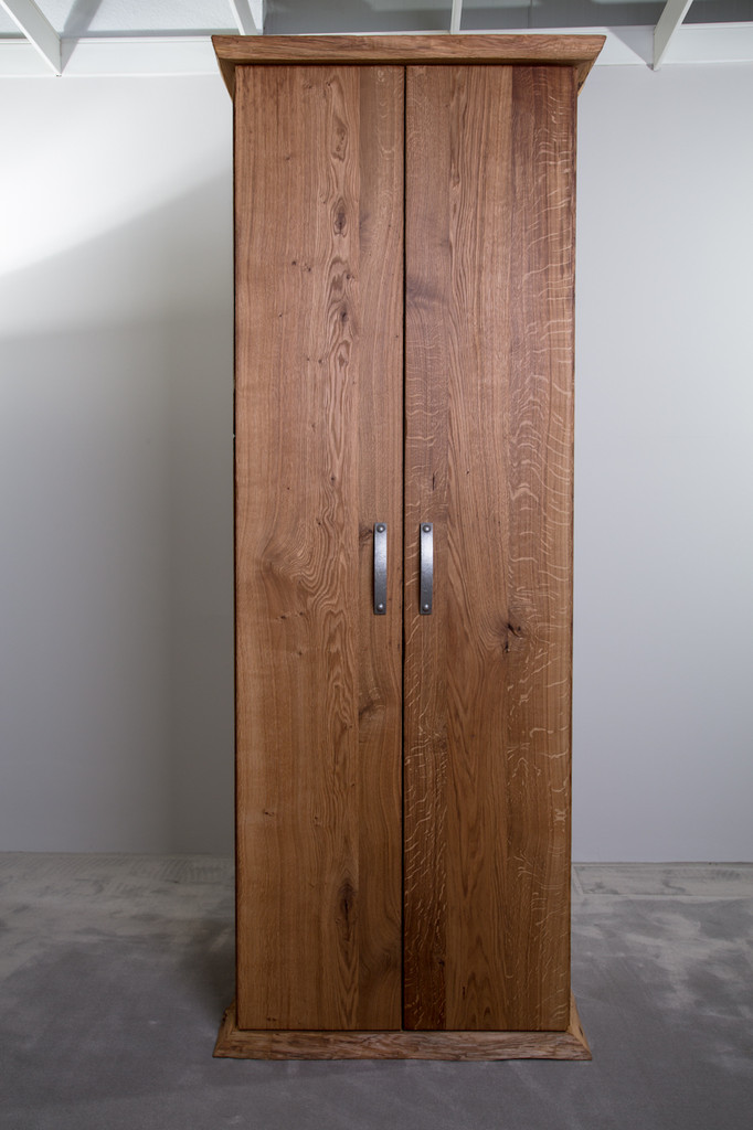 Rustikale Kleiderschränke aus Eichenholz - Holzfabrik