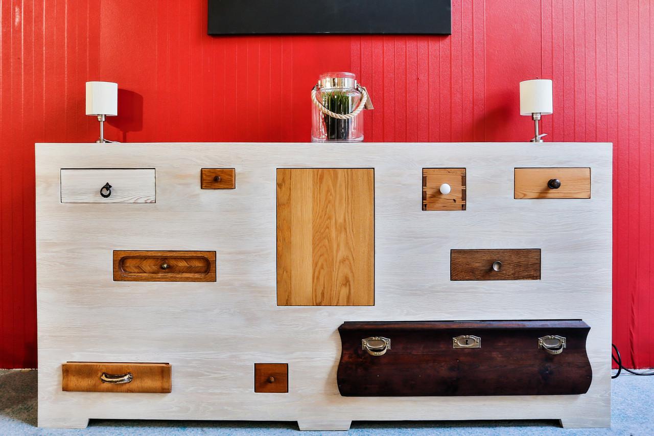 rustikale anrichten aus massivholz holzfabrik. Black Bedroom Furniture Sets. Home Design Ideas