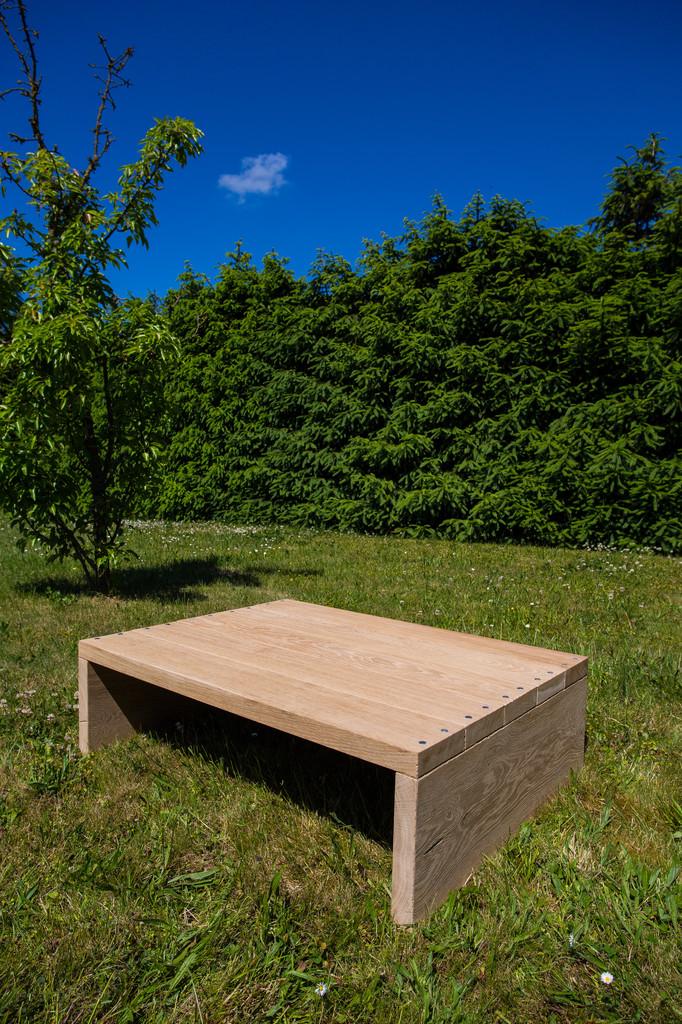 rustikaler holz couchtisch eiche holzfabrik. Black Bedroom Furniture Sets. Home Design Ideas