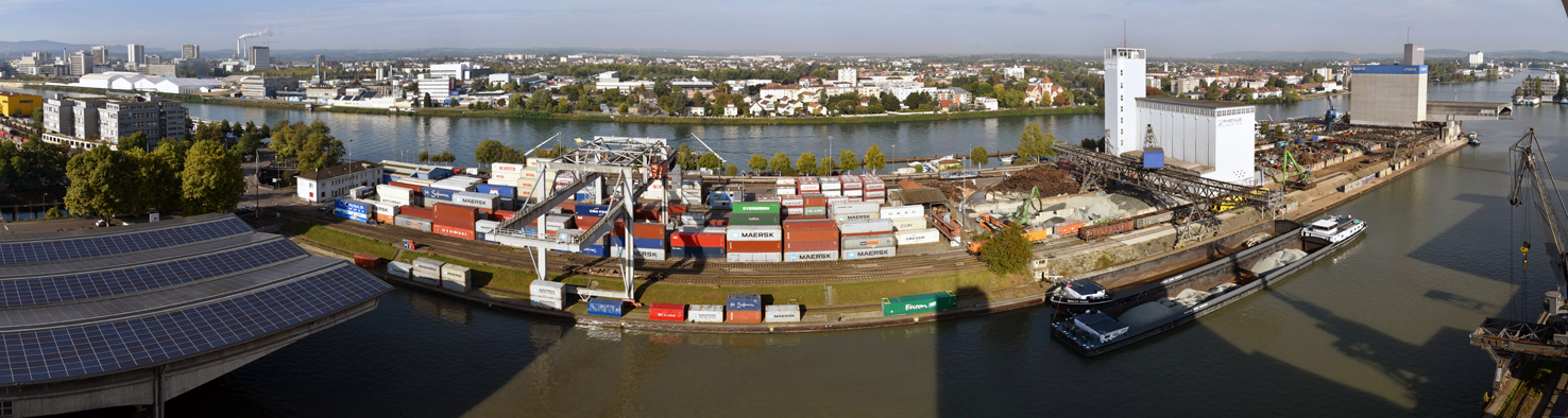 Basler-Hafen, Rhein, Teilpanorama