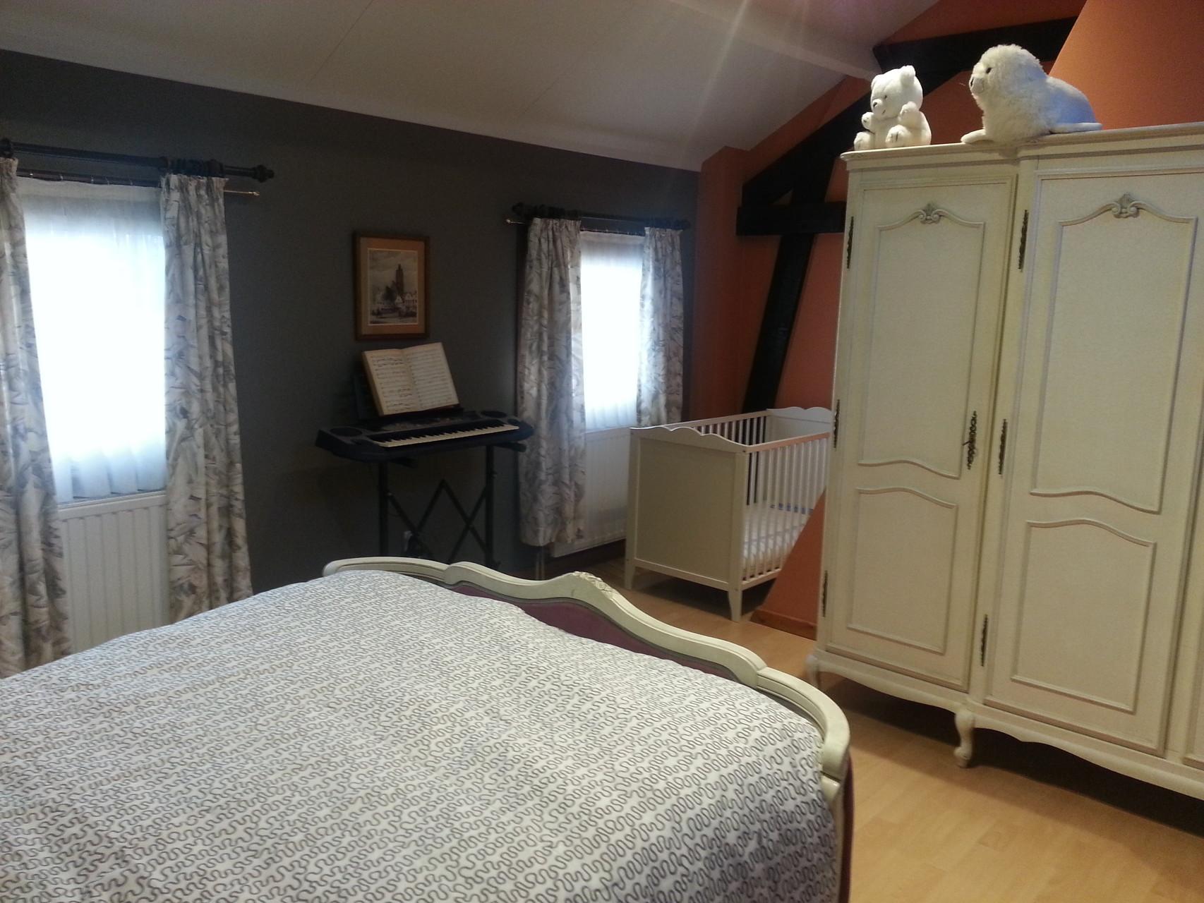 Slaapkamer + Kinderbed